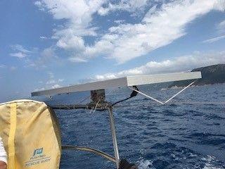 fixation panneau solaire sur bateau