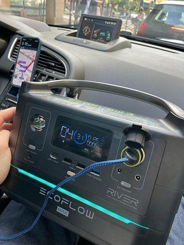 batterie ecoflow qui recharge la voiture